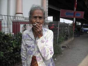 Gambaran Nenek Okem